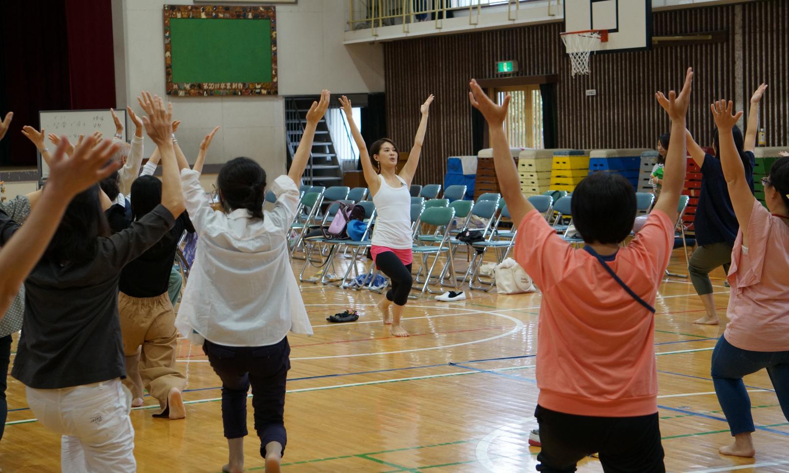 『骨を意識して健康になる!~骨先生®と学ぶ 体験型 姿勢セミナー~』開催報告|骨先生 柴田郁恵公式ホームページ